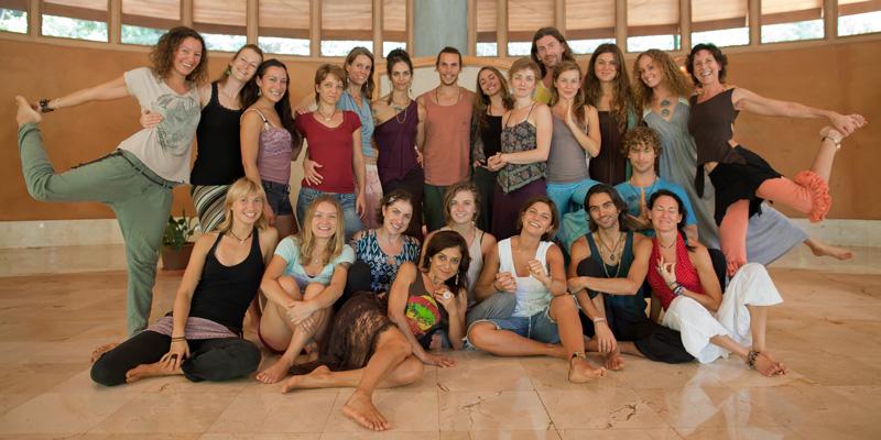 yoga-training-groupphoto-nov2012
