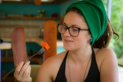 z-body-cleanse-eating-papaya