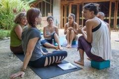 yogateachertraining-noe-circle